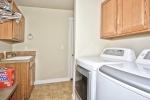 033_Laundry Area