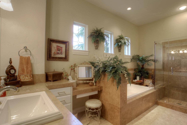 bath-for-bedroom-suite-2